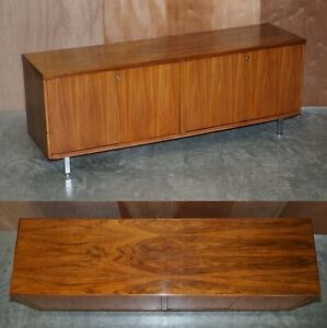 STUNNING RESTORED MID CENTURY MODERN PERIOD ROSEWOOD SIDEBOARD WITH CHROME LEGS