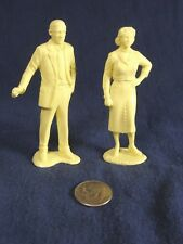 "Vintage Marx Dollhouse Mother Father Figures 3""  pale yellow"