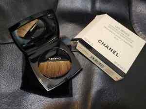 CHANEL les beiges Healthy Glow Sheer Powder Full Size 0.42oz