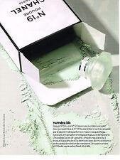 PUBLICITE ADVERTISING 014   2011   CHANEL    cosmétiques poudre 19