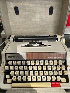 Vintage typewriter Brother Deluxe 1510