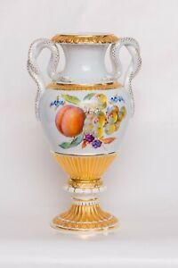Meissner Porzellan Vase 28cm mit Obst, Blüten, Goldverzierung, Schlangengriffe