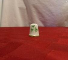 Porcelain Shamrocks Thimble, great condition