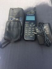 VINTAGE MOTOROLA d520 Phone Charger And Case