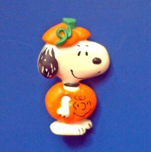 Hallmark PIN Halloween Vintage SNOOPY Charlie Brown PUMPKIN Holiday Brooch