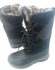 New Clarks Thinsulate   snow women's boots  size 6.5
