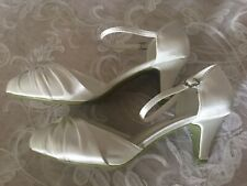 Ladies Wedding Bridal Shoes Size 5 Low Heal BARGAIN!! Satin.