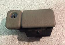 99-04 Chevy Tracker Suzuki Vitara Glove Box Latch - Tan