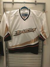 NWT Anaheim Ducks CCM 550 Jersey, White, Made in Canada, Medium