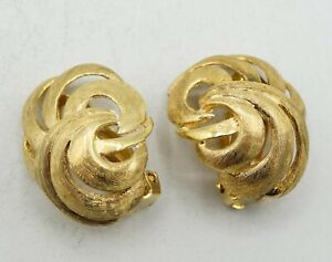 14K Yellow Gold Solid Textured Floral Clip Earrings 18mm 8.6g S2393