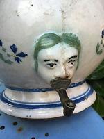 Fontaine 18 eme Ceramique XVIII