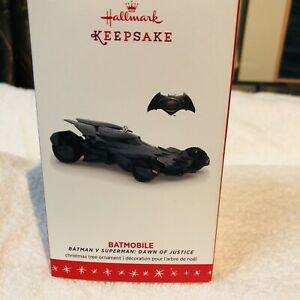 Hallmark Keepsake DC Batman V Superman Dawn Of Justice Batmobile Ornament 2016