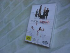 MODERN FAMILY COMPLETE THIRD SEASON 3 - REGION 4 PAL - 3 DISC DVD - NEW