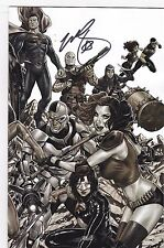 JUSTICE LEAGUE VS SUICIDE SQUAD #1 MIDTOWN B & W VARIANT / SIGNED BY MARK BROOKS