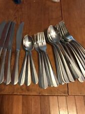 26 Pieces Heavy Stainless Flatware - Ridged Down Middle