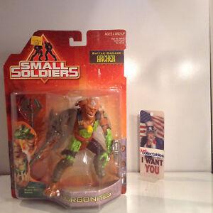 Gorgonites Battle Damage Archer small soldiers kenner 1998