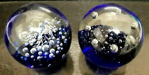 2 Vintage Art Glass Hand Blown ATTRACTIVE BUBBLES BLUE/CLEAR GLASS  Paperweights