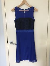 REVIEW Size 8  Blue Pleated Lace Dress Round Neck Floral Ladies Evening Dress