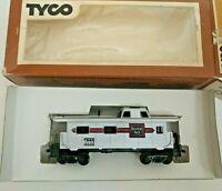 HO scale Tyco  CB&Q Burlington Caboose   CB&Q  12568