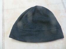 Bonnet noir en polyester  POIDS : 42 grs HAUTEUR 18 cm LARGEUR  24,5 cm