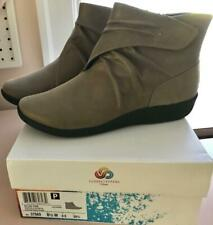 Clarks Cloudsteppers SILLIAN TANA Booties Boots~Pewter taupe~8.5W~39.5~NEW:BOX
