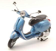 NEW RAY 1:12 MOTO DIE CAST VESPA PRIMAVERA CELESTE METALLIZZATO ART 57553