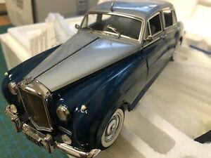 E4 16 Franklin Mint 1955 Bentley S1  Blue / Silver 1:24 RARE Limited Ed Last 1