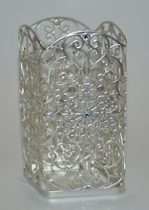BATH BODY WORKS ORNATE SNOWFLAKES SCROLL GENTLE FOAMING HAND SOAP SLEEVE HOLDER