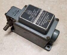 Used Allen-Bradley 802TR4TD 1 series 110VAC oiltight Limit Switch
