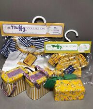 Muffy VanderBear Sewing Lesson, Muffy & Fluffy Outfits Thimbles 2 Tin Boxes NEW