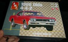 AMT 1966 OLDS OLDSMOBILE 442 HARDTOP 1/25 Model Car Mountain KIT FS