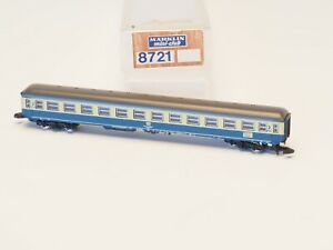 8721 Marklin Z-scale Coach Car 2nd class, Beige and Blue liveries DB