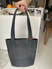 Hunter Rubber sling Tote bag In Black
