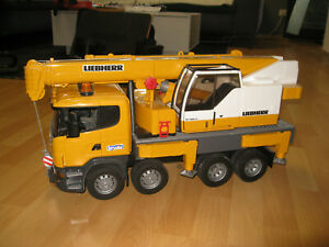 Bruder R-Serie Scania Liebherr Kran-LKW (03570)