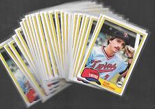 1981 TOPPS ROB WILFONG #453 LOT OF 26 CARDS MINNESOTA TWINS