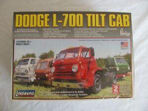 Vintage Lindberg 1/25 Scale Dodge L-700 Tilt Cab Tractor Truck Kit #73067 NOS