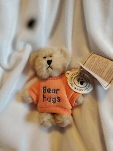 "Boyd's Bears ~ Mini Message Bear ~ ""Bear Hugs"" ~ New w/tag ~ Retired ~ Cute ~"