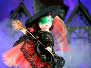"Madame  Alexander 1990, 8"" ""Witch"" Near Mint"