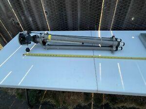 Gitzo G410 Tripod + G1570 Pan Tilt Head + Center Column
