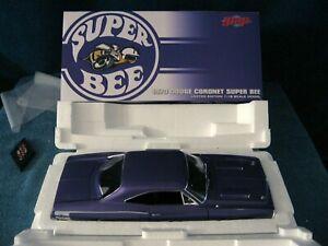 LIMITED EDITION 1970 DODGE CORONET SUPER BEE GMP 1/18