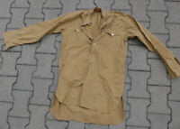 Wehrmacht altes Hemd sehr gut erhalten, Knöpfe ersetzt!