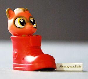 Littlest Pet Shop Mystery Wave 2 #3794 Raccoon Red