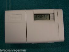 """Honeywell T8112D1005 5-2 day Programable Thermostat """"White"""" T8112D"""