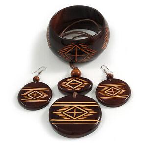 Lange braune Cord Holz Anhänger mit Tribal Motiv, Ohrhänger und Armreif