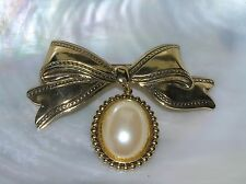 Vintage Large Goldtone Ribbon Bow with Faux Cream Mabe Pearl Center Charm Dangle