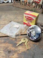 1927-1964 GM BUICK PONTIAC CHEVY OLDS CADILLAC LOCKING GAS CAP HOT ROD USA NOS