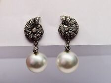 Platinum Earrings with Diamonds and Natural Pearl