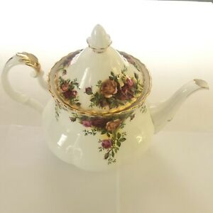 Royal Albert Old Country Roses Large Teapot Tea Pot With Lid Vintage