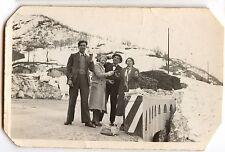 Femmes hommes Col de Tende hiver neige - photo ancienne an. 1934