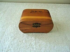 "Vintage The Big Well Greensburg Kan.Wooden Cedar Hinged Trinket Box "" BEAUTIFUL"